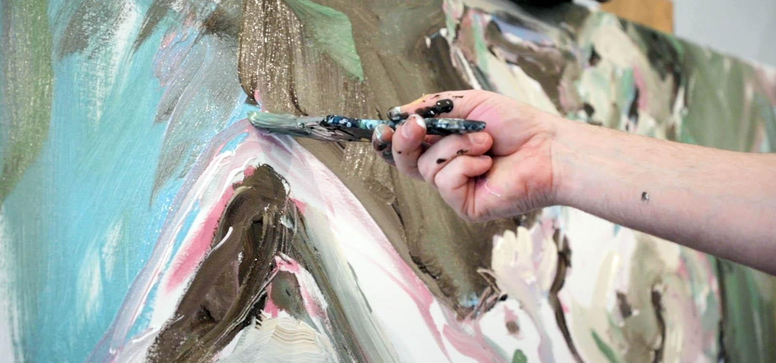 schilder koen van ham in zijn atelier